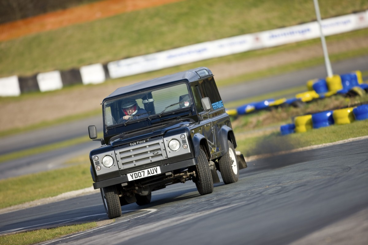 Twisted-Track-Day-2008-YD07AUV-Drifter-Retro-Td5-4.jpg