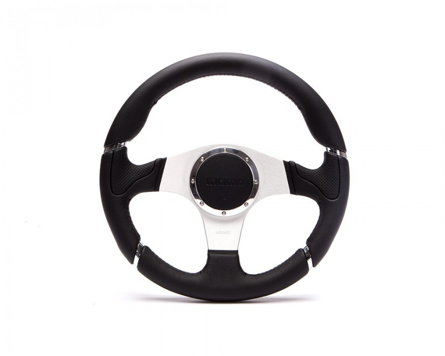 Momo Millenium Defender steering wheel
